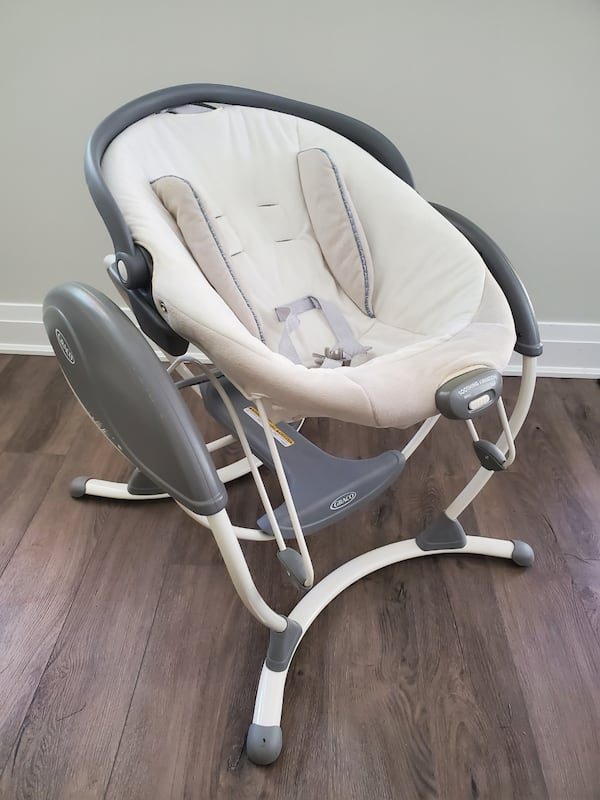 Graco Baby Rocker/Glider Swing with built in sounds and vibration. 22c0e042-02c3-40a1-9e69-9ffea387560c