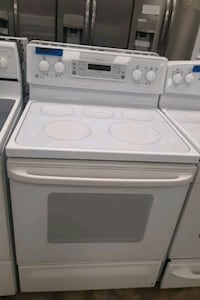 GE Electric stove excellent conditions 4months of warranty  Bowie, 20715