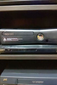 Xbox 360 With 2 Controllers,Kinect,Games and More! (NEGOTIABLE!) Maple, L6A
