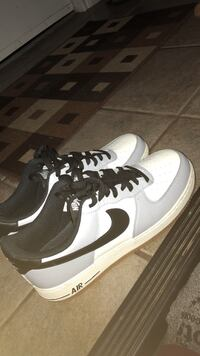 Size 10 Air forces  Bedford, B4A 3K5