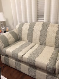 gray and white floral fabric 3-seat sofa New Tecumseth, L9R 0G9