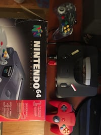 Mint condition Nintendo 64 with original box and extra controller and 12 games SUNNYVALE