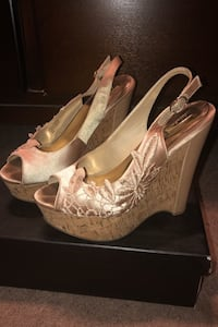 Shoes 8 1/2 Bakersfield, 93311