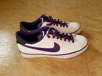 Authentic Nike  Yorkville, 60560