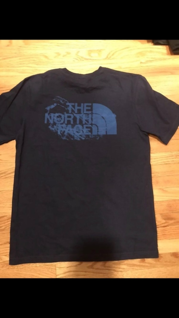 North face cotton tshirt. 2
