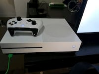 white Xbox One console with controller San Clemente, 92673