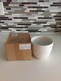 White ceramic vases with brown box Vaughan, L4H 1M1