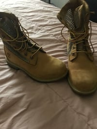 pair of brown leather work boots Tualatin, 97062
