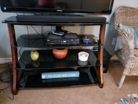 Wood and Glass TV Stand Barrie, L4N 2X4