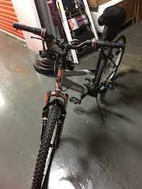 black and gray hardtail mountain bike New Rochelle, 10801