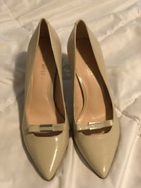 Nine West pumps size 8. Just tried on a few times but never been used out. Trenton, 08620