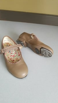 Sz 13 girls tap shoes lightly used good condition. Excelsior Springs, 64024