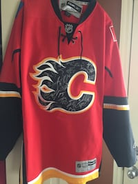 REDUCED Calgary Flames team signed jersey Calgary, T2A 4M7