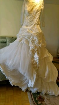 women's white floral wedding dress Toronto, M4H 1J5