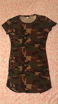 black and green camouflage cap-sleeved dress