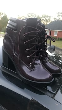 Pair of black patent-leather chunky-heeled work boots Madison, 35757