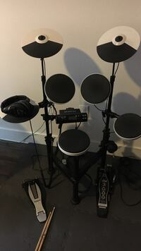 Electronic Drums - Roland TD4KP Houston, 77006