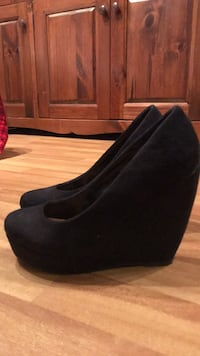 Women's size 7 spring black suede wedge shoes 3715 km