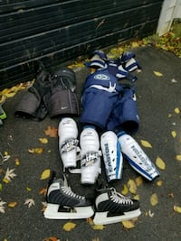 hockey equipment lot 50$ Kingston, K7K 2L1