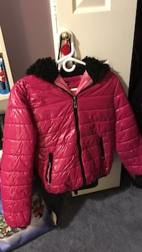 pink zip-up hooded bubble jacket