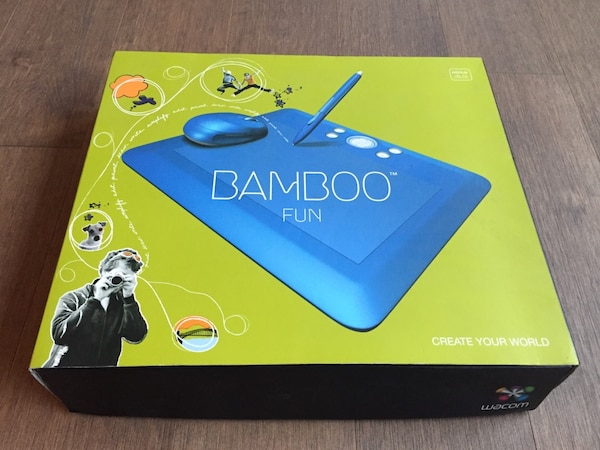 Bamboo wireless pen and mouse pad and mouse d00998f9-f4f8-4252-82e1-2ac798814cf9