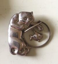 """Vtg Sterling Silver Cat W/ Hanging Fish In Bowl pin/Brooch Approx 2x2"""" Myrtle Beach"""