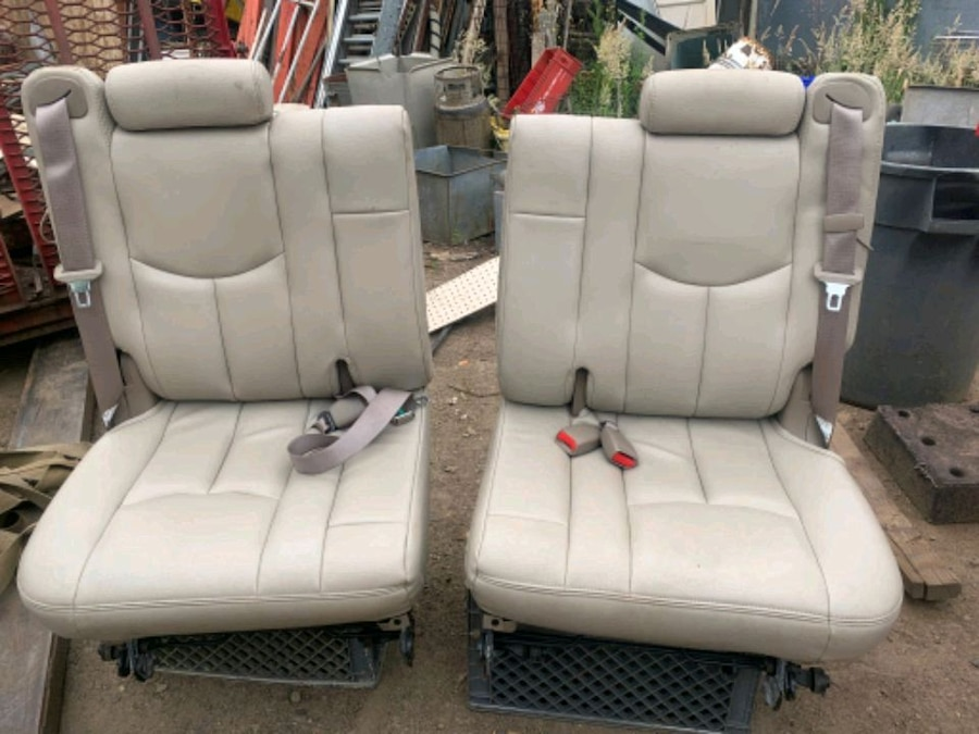 Photo Used GMC/Chevy Tahoe leather 3rd row seats