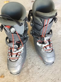 Ski boots size 12.5 Richmond Hill, L4E 4Y8