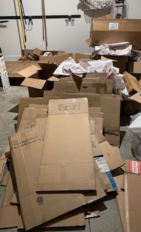 Moving boxes and packing paper Tampa, 33629
