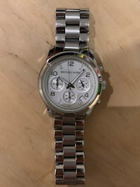 Round silver michael kors chronograph watch with link bracelet Oakville, L6M 0Y2