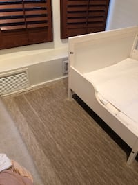 IKEA kid bed with mattress and flat sheets Los Angeles, 90210