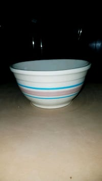 Small stoneware mixing bowl