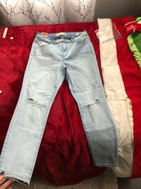 size 13 high rise ripped jeans , N0A 1J0