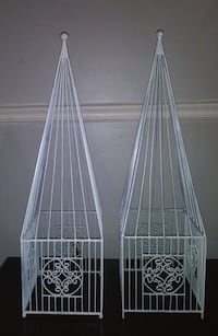 2 metal decorations for porch or yard
