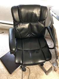 black leather office rolling chair San Mateo, 94402