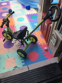 Toddler tricycle with parent handle Toronto, M6E 4W7