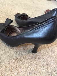 pair of black leather heeled shoes San Mateo, 94401