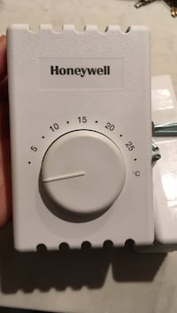 Honeywell high voltage baseboard thermostats $20 each Vancouver, V6J 1K8