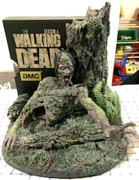 The walking dead season 4 Blu ray+zombie display Orangeville, L9W