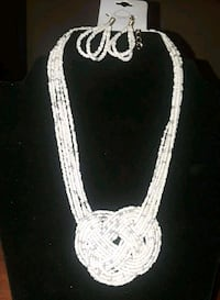 white beaded necklace  Tuscaloosa, 35405