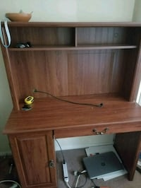 Really good condition study desk Athens, 45701