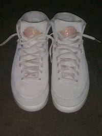 pair of white Air Jordan basketball shoes Hillcrest Heights, 20748