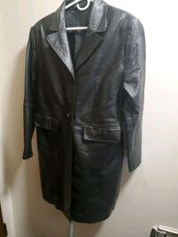 Mens leather 3/4 length coat Edmonton, T5H 3Z3