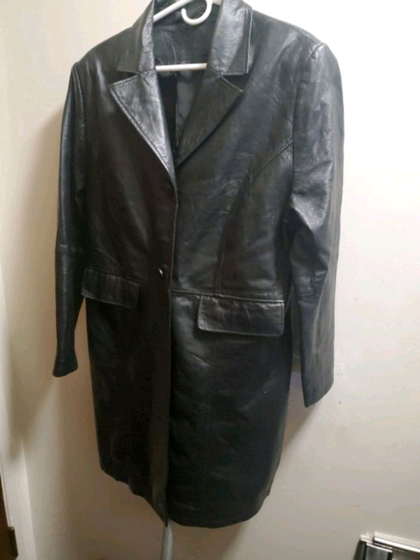 Mens leather 3/4 length coat 78df3377-6357-412b-9108-7daa8c32a477