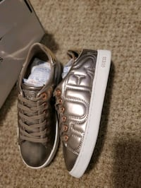 Guess sneakers NEW