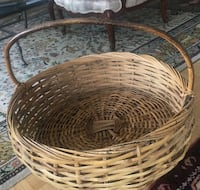 Large woven basket, perfect decor item to hold magazines or dog or cat bed Westmount, H3Y 2S1
