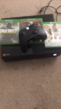 Xbox one console with controller and game case or trade for ps4 Baton Rouge, 70815
