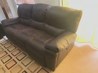 3 seater sofa power recliner couch Milton