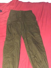 Fashion nova green cargo pants  Los Angeles, 90016