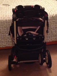 baby's black and red stroller Annandale, 22003
